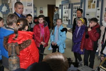 Тернопільські міліціонери запросили до себе школярів
