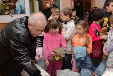 Міліціонери та волонтери об'єдналися заради допомоги дітям