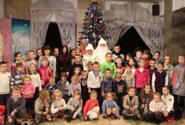 Подарунок для дітей організували державтоінспектори спільно з акторами лялькового театру