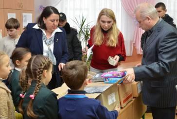 Школярі передали подарунки для воїнів АТО