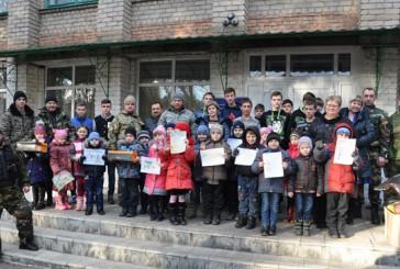 Правоохоронці та волонтери запросили на різдвяні свята на Тернопільщину вихованців Новоайдарської школи-інтернату