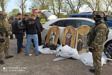 Масштабну спецоперацію зі знешкодженню злочинної групи, яка обкрадала церкви та монастирі України, провели оперативники управління стратегічних розслідувань в Тернопільській області