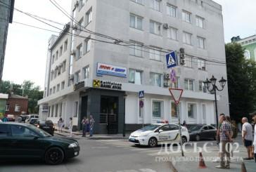 Повідомлення про замінування автомобіля в центрі Тернополя не підтвердилося