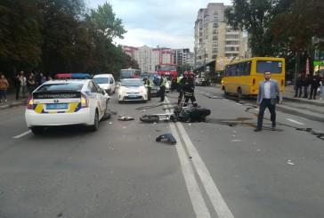 У Тернополі під час переслідування мотоцикліста, який втік з місця ДТП, відбулося зіткнення з авто патрульних