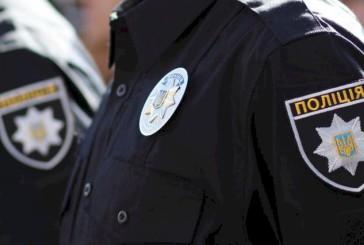 На Тернопільщині правоохоронці затримали чоловіка, який на виборчій дільниці напав на поліцейського
