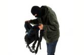 Оперативники розшукали зловмисника, причетного до крадіжки майна учнів однієї із тернопільських шкіл