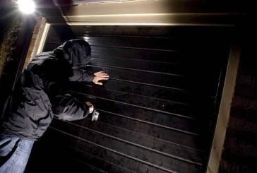 Поліцейські застерігають: замикайте вхідні двері та не залишайте ключі у легкодоступних місцях