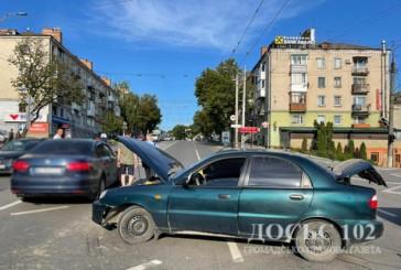 Тернопільські поліцейські встановлюють обставини чотирьох ДТП, які сталися минулими вихідними