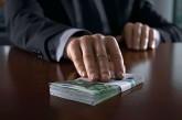 1 500 доларів за визнання непридатним для військової служби – на Тернопільщині затримали заступника комісара районного військкомату
