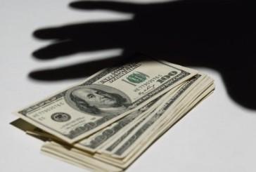 Тернопільські оперативники розшукали зловмисницю, причетну до крадіжки грошей і золотих прикрас